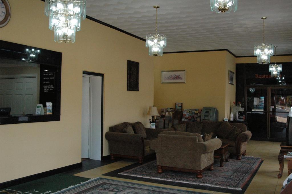 Ambassadors Inn and Suites - Virginia Beach