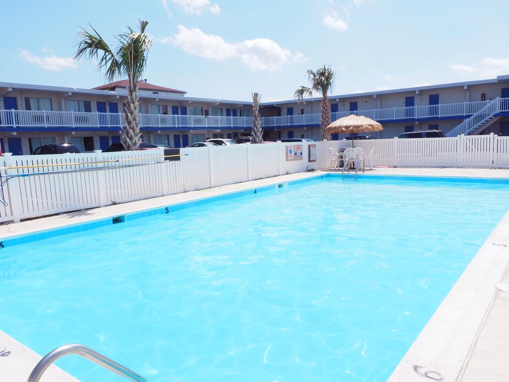 Sandpiper Inn And Suites