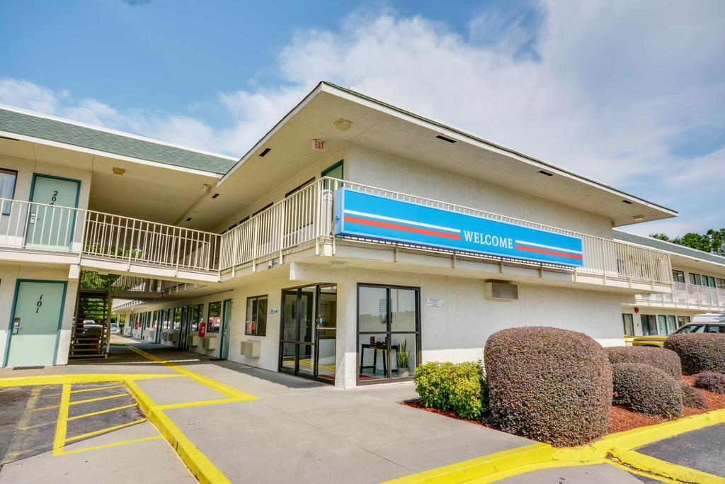 Motel 6 Tuscaloosa AL