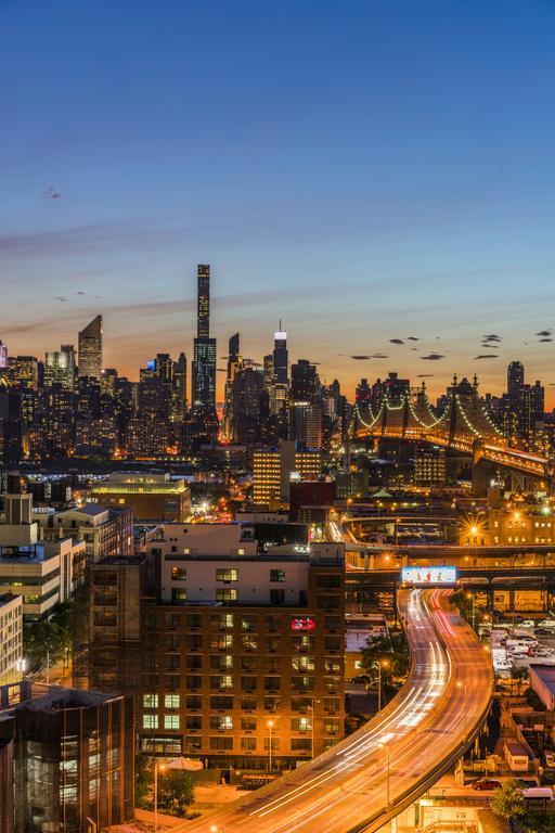 Aloft Long Island City-Manhattan View