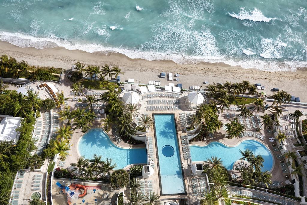 Diplomat Beach Resort Curio