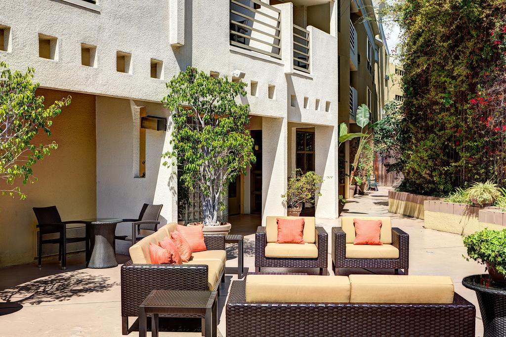 Courtyard Los Angeles Century CityBeverly Hills